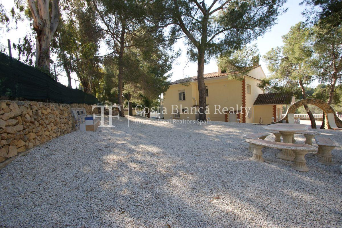 Large house with two apartments on a very big plot - 59 - CHFi794