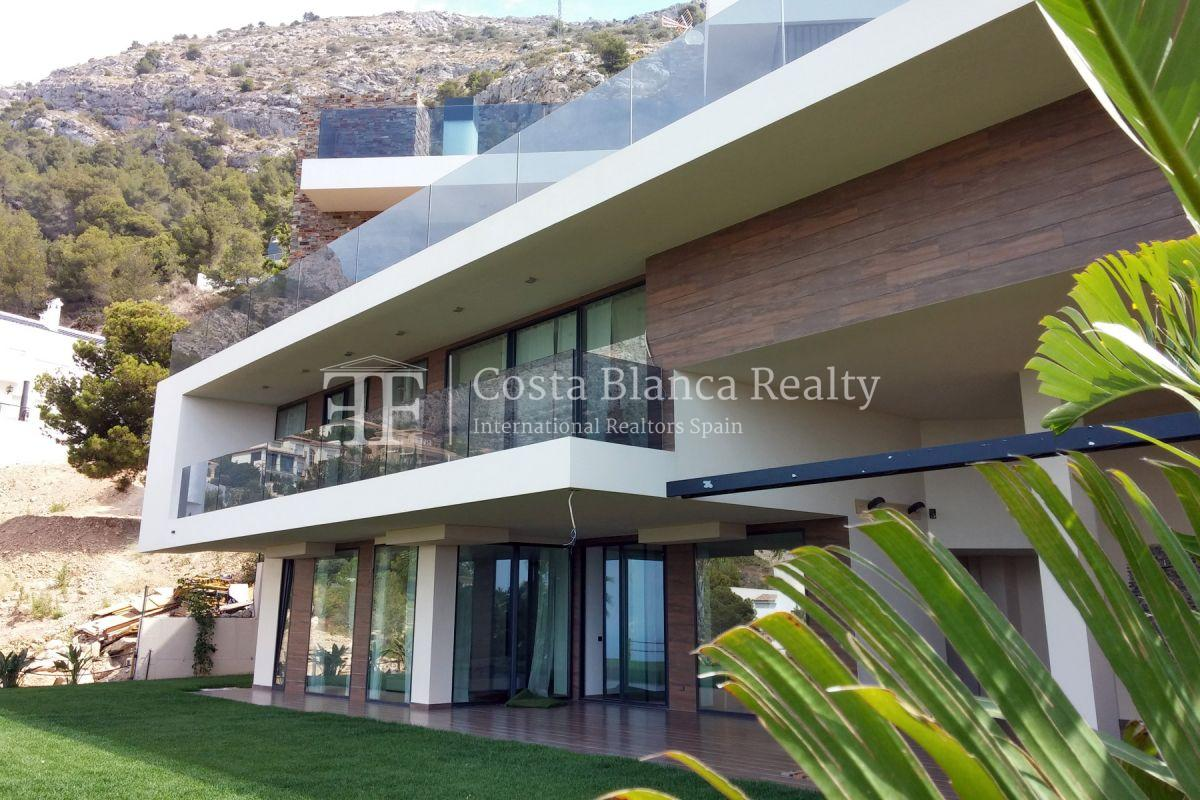 Modern luxury villa with sea views for sale - 12 - CHFi836