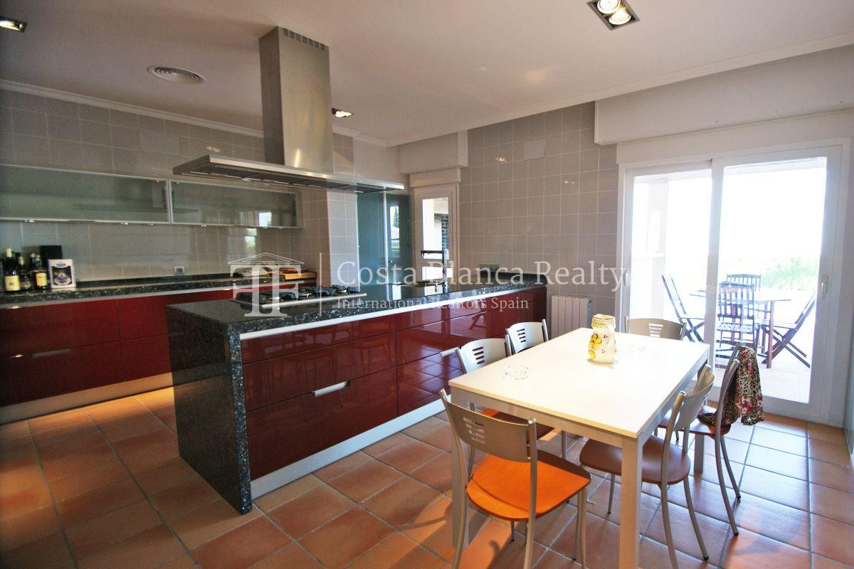 Very nice one level property with unobstructable sea view in Calpe - 9 - CHFi543