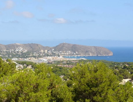 Large building plot with incredible panoramic sea views in Moraira