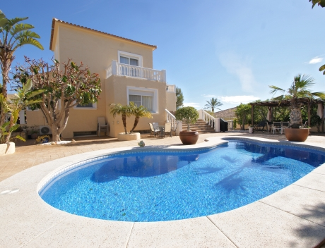 FPAS104: Large house in very good condition with partial sea view for sale in Bello Horizonte, La Nucia - Main