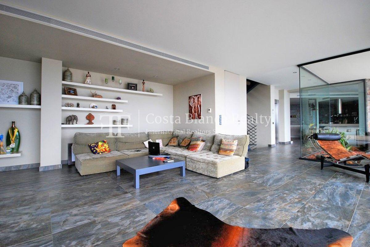 Modern luxury villa with sea views for sale - 9 - CHFi836
