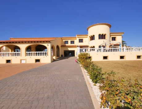 CHFi789: Very Large villa in calpe for sale with partly sea views - Main