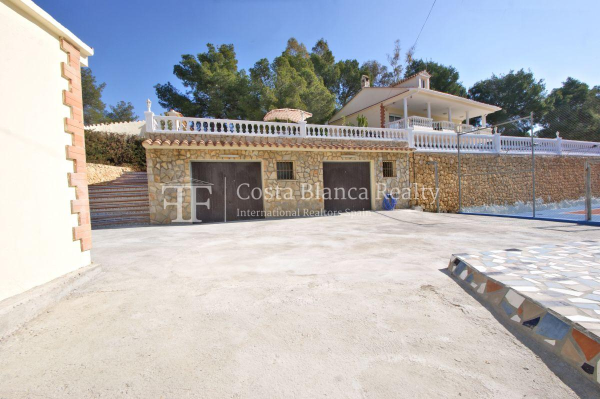 Large house with two apartments on a very big plot - 61 - CHFi794