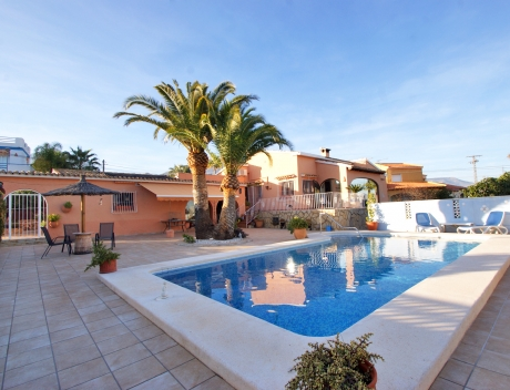 CHFi763: Wonderfully maintained house with sea views in La Nucia - Main