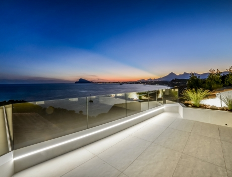 CHFi751: Unique modern Penthouse with panoramic Sea Views in first line - Main