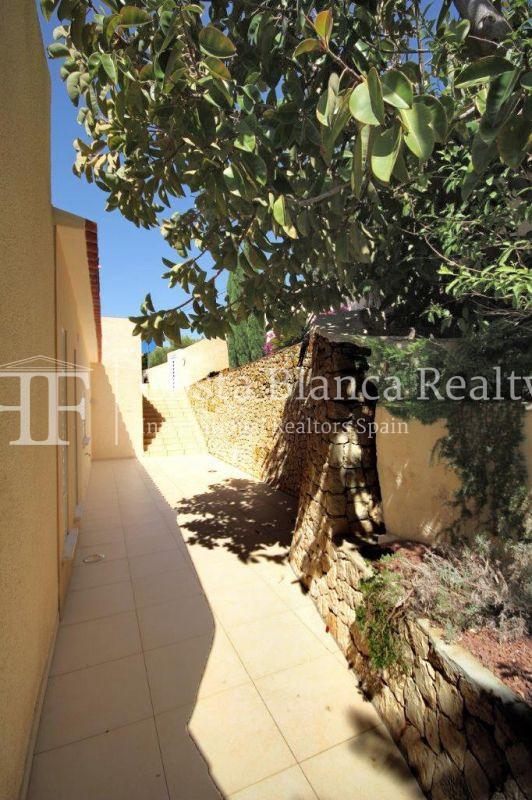 Beautifully renovated house / villa with sea views in Altea for sale, Sierra de Altea - 16 - FPAS105