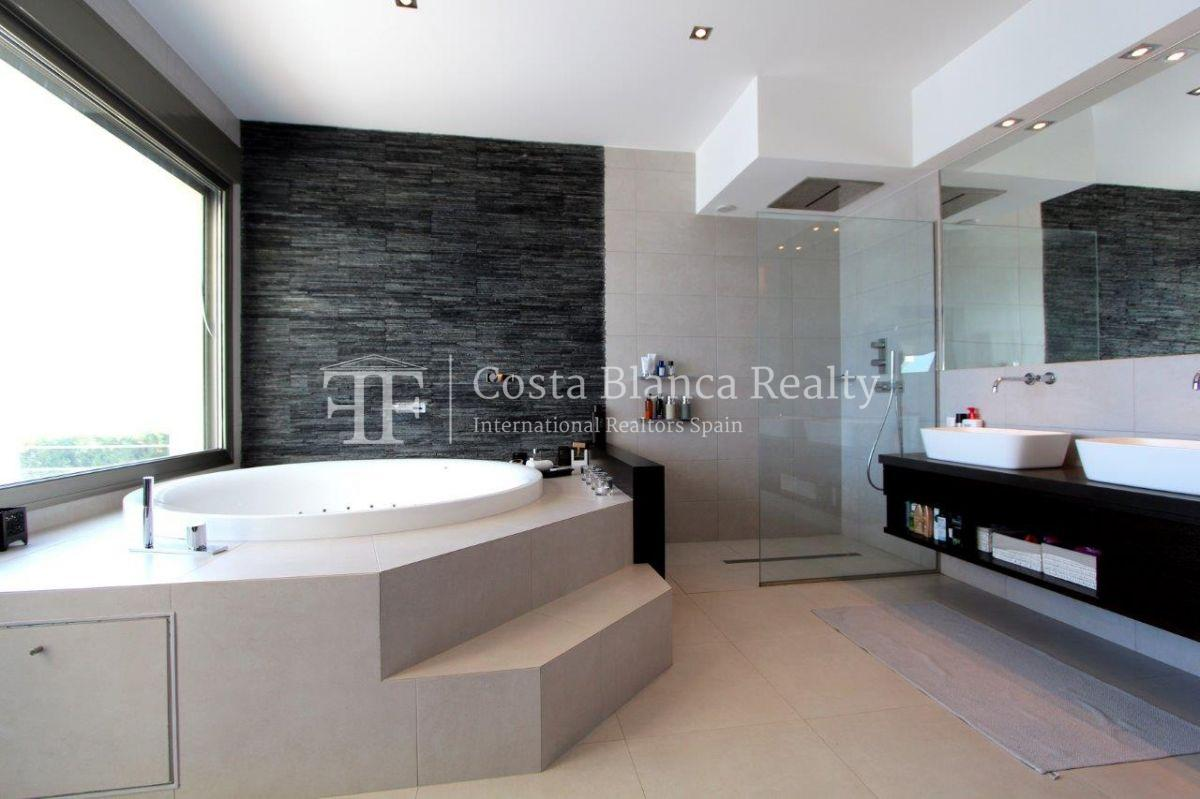 Luxury newly built villa at first line for sale, Calpe, El Tossal, Spain - 10 - CHFi512
