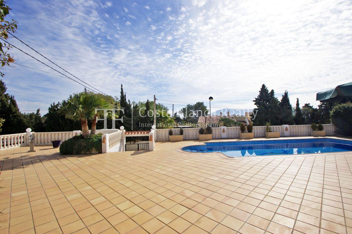 Nice one level House / Villa for sale in Alfaz del Pi at the Costa Blanca, Alicante, Spain with partly sea view and big terraces - 4 - CHFi707