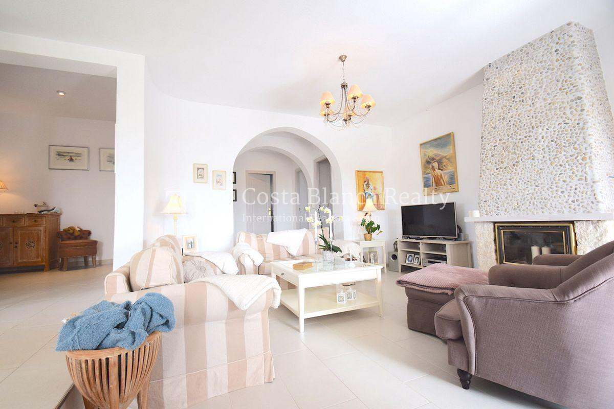 Beautifully renovated villa with sea views in Altea, Montahud - 5 - CHFi743