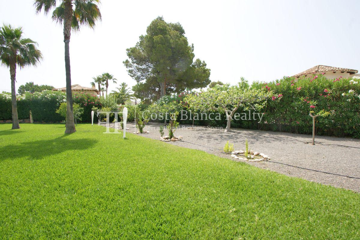 Magnificent luxury villa with extra building plot in the Sierra de Altea for sale - 47 - CHFi826