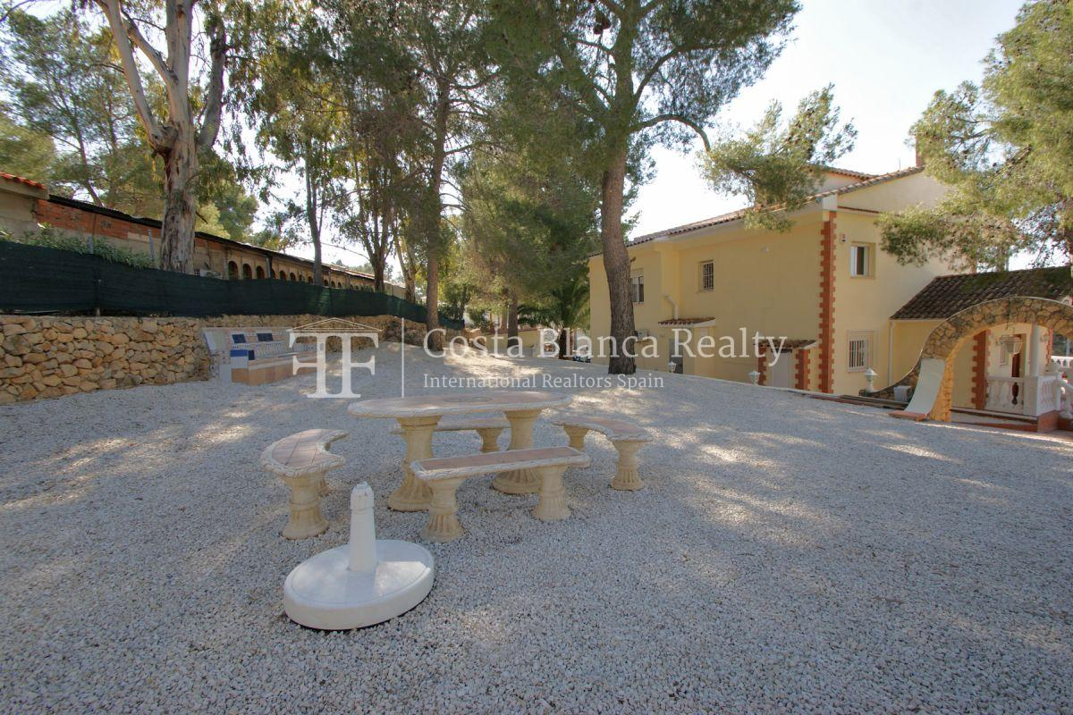 Large house with two apartments on a very big plot - 58 - CHFi794