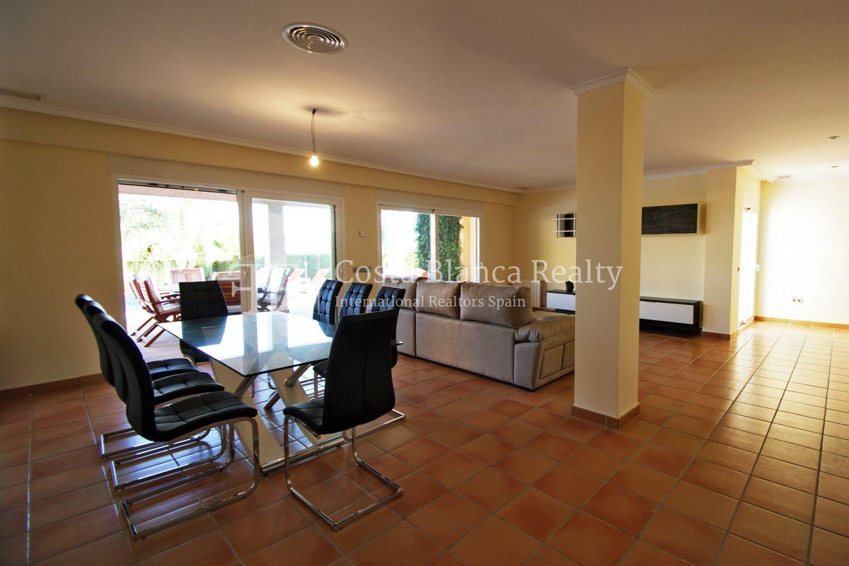 Very nice one level property with unobstructable sea view in Calpe - 6 - CHFi543