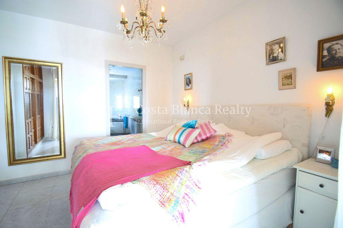 Beautifully renovated villa with sea views in Altea, Montahud - 14 - CHFi743