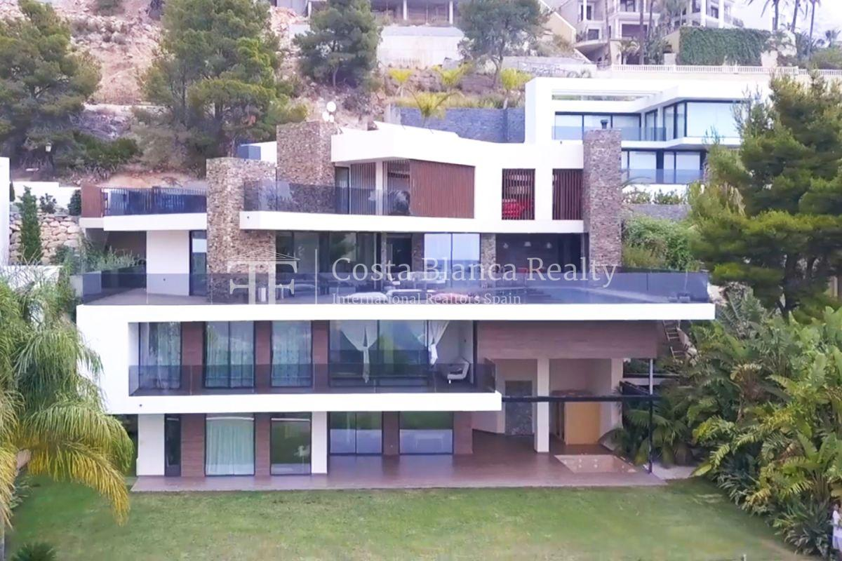 Modern luxury villa with sea views for sale - 1 - CHFi836