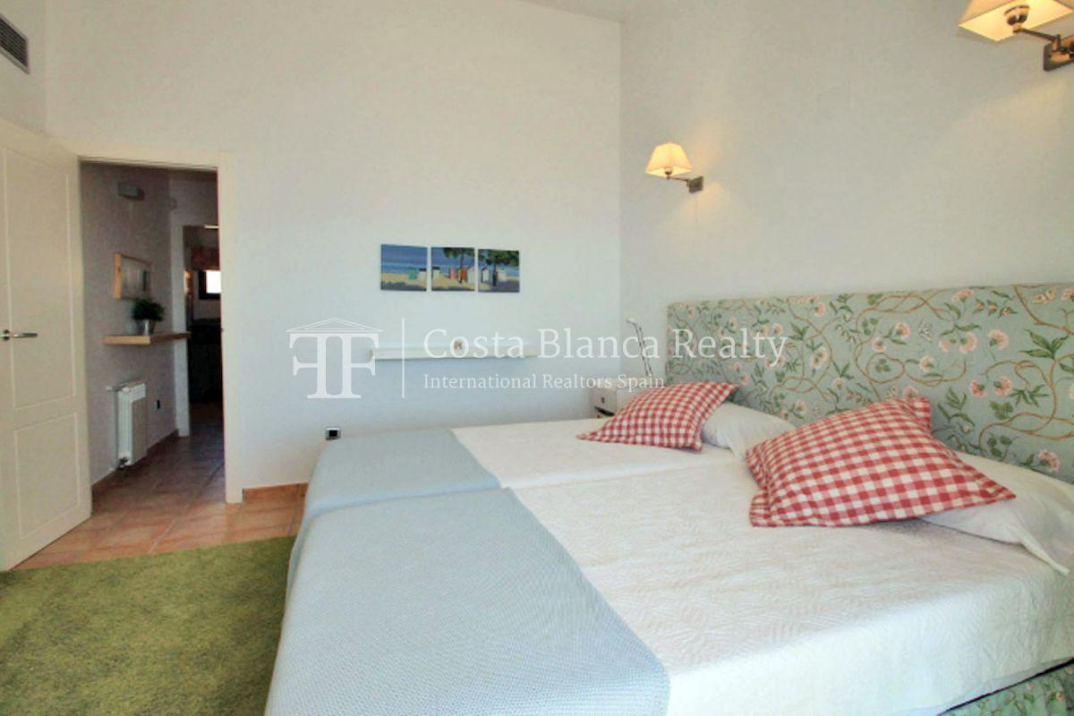 Wonderful Duplex Apartment in first line to the Sea and the Harbor - 15 - CHFi499