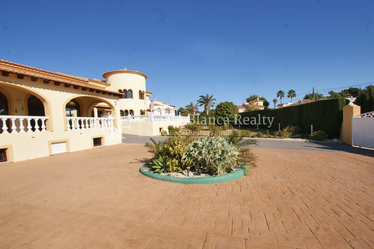Very Large villa in calpe for sale with partly sea views - 47 - CHFi789