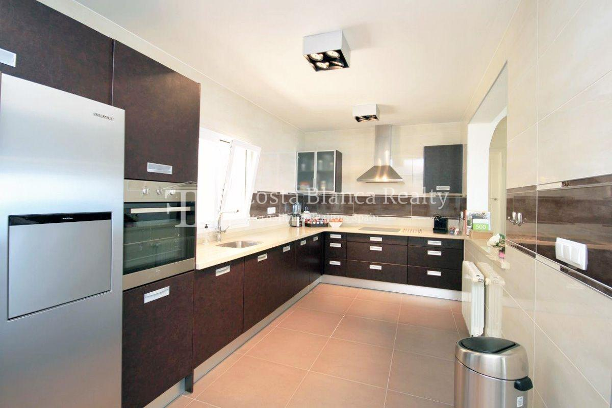 Beautifully renovated house / villa with sea views in Altea for sale, Sierra de Altea - 4 - FPAS105