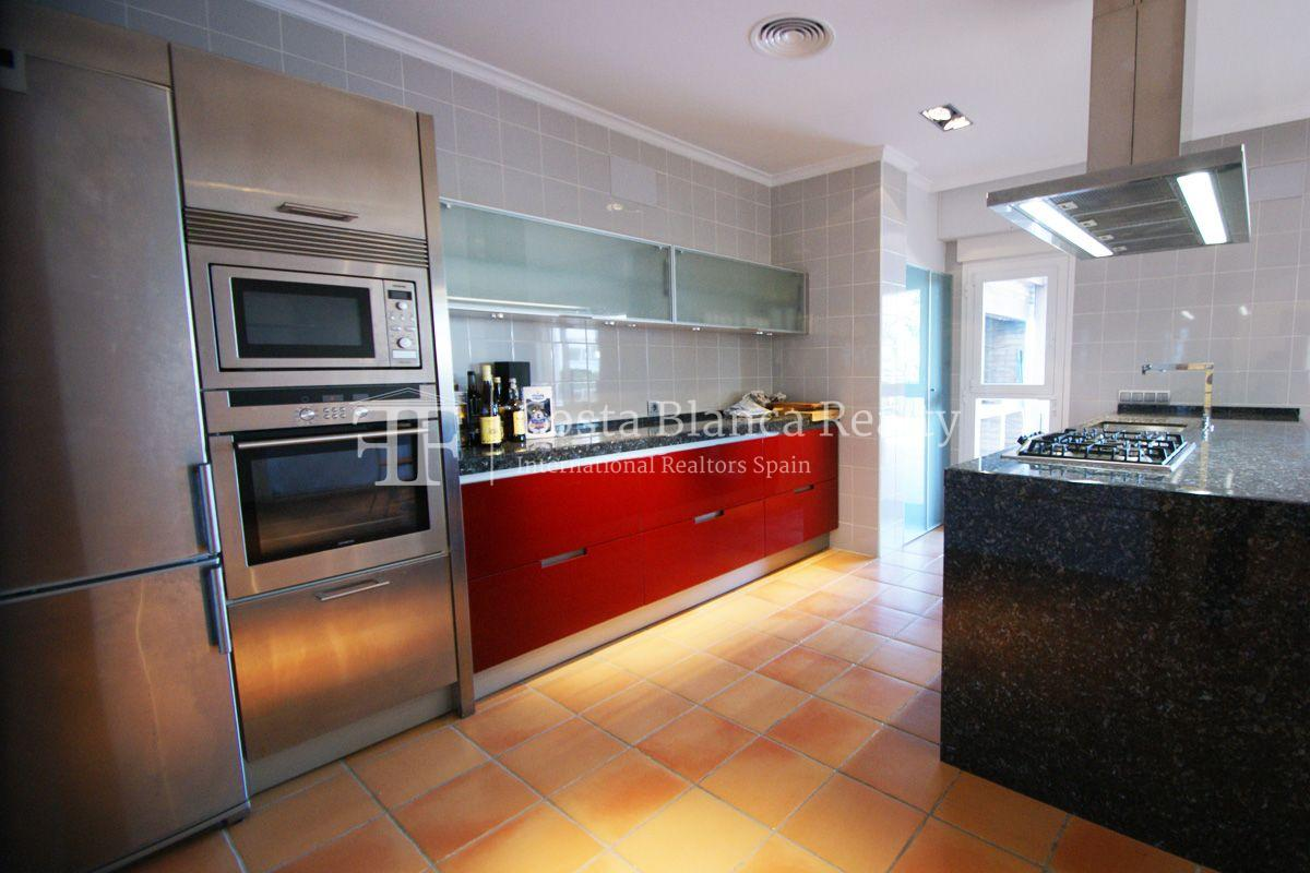 Very nice one level property with unobstructable sea view in Calpe - 8 - CHFi543