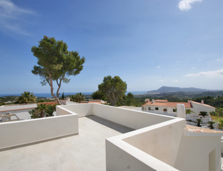 CHFi910: New fully renovated villa with panoramic sea views for sale  - Main