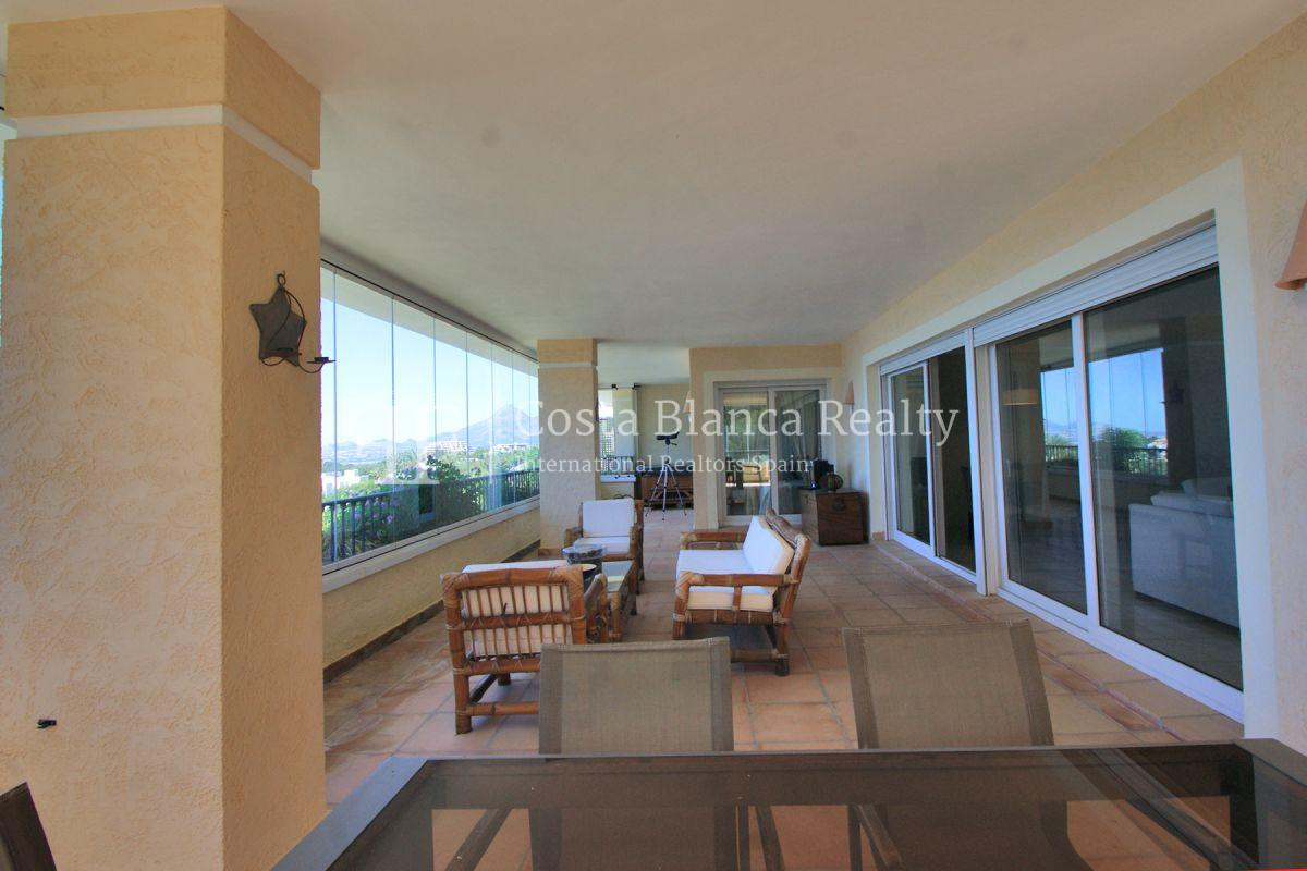 Luxury Apartment with incredible Sea views - 6 - CHFi813
