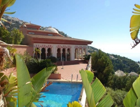 Beautiful property built in Arabic style, Altea Hills