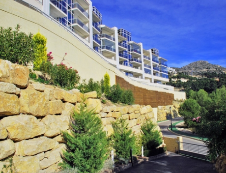 Nice Duplex Apartment with sea views in Altea Hills with roof terrace