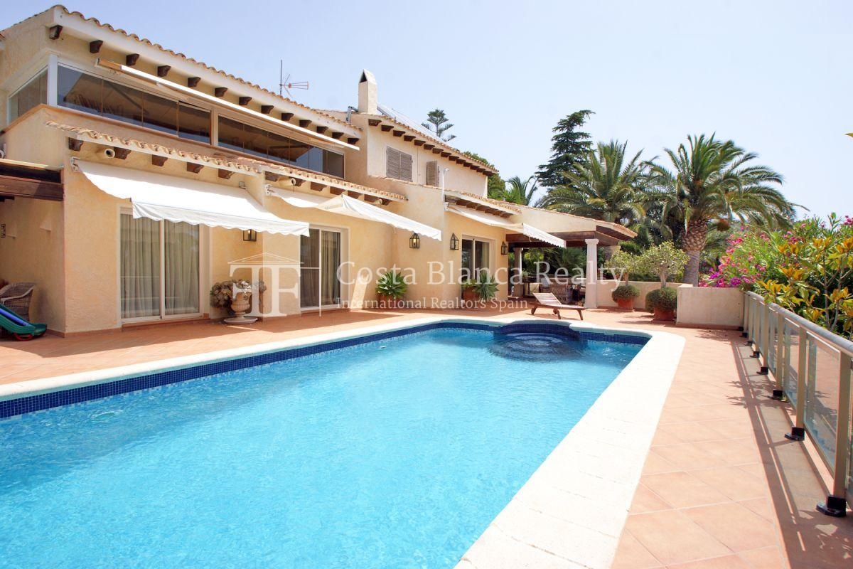 Magnificent luxury villa with extra building plot in the Sierra de Altea for sale - 1 - CHFi826