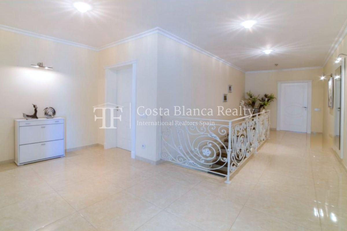 Impressive villa in the Sierra de Altea with 360º panoramic sea views - 9 - CHFi762