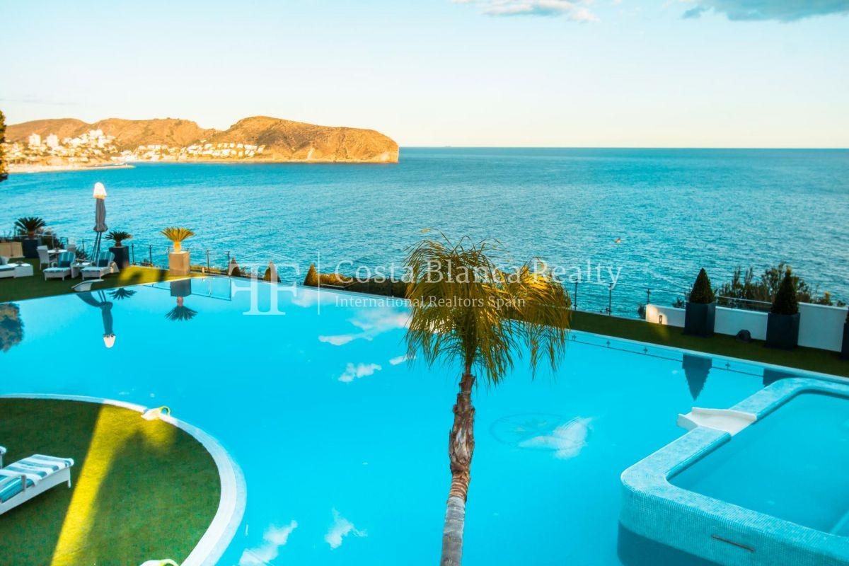 Modern luxury villa in first sea line with panoramic sea views - 3 - CHFi352