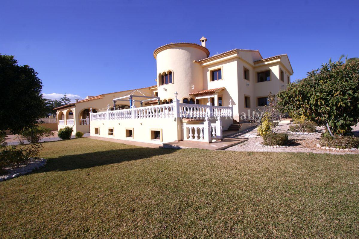 Very Large villa in calpe for sale with partly sea views - 3 - CHFi789