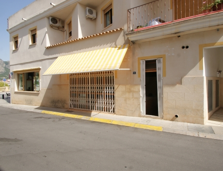 CHFi867: Commercial Property For Sale in La Nucia Carrer Cirer - Main