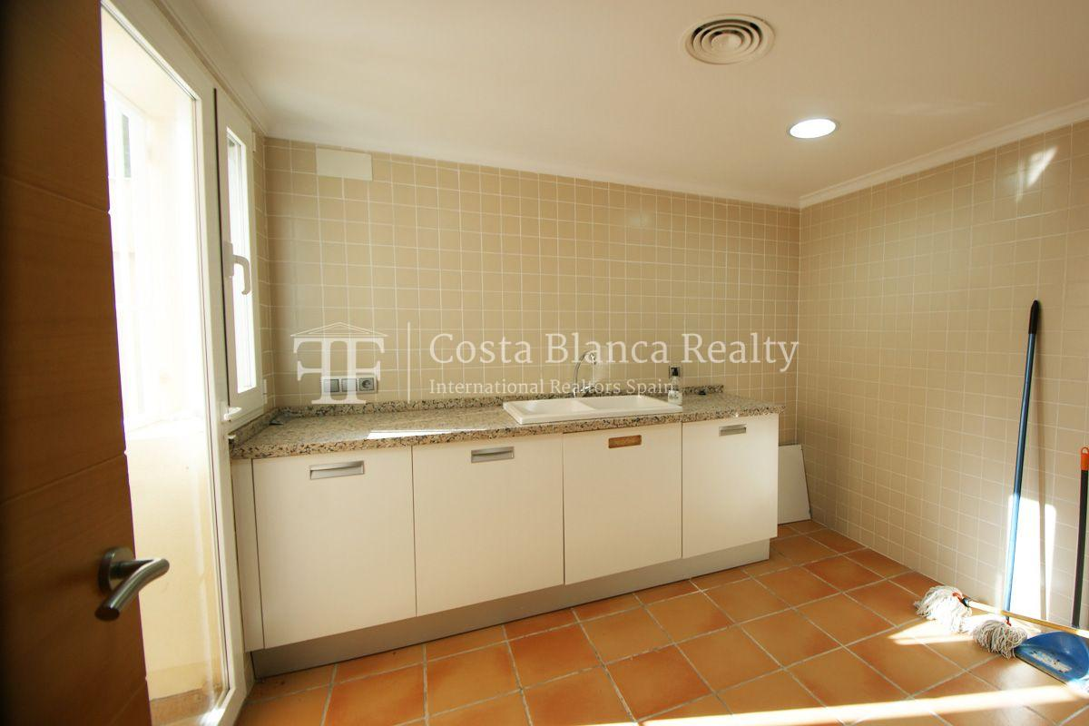 Very nice one level property with unobstructable sea view in Calpe - 26 - CHFi543