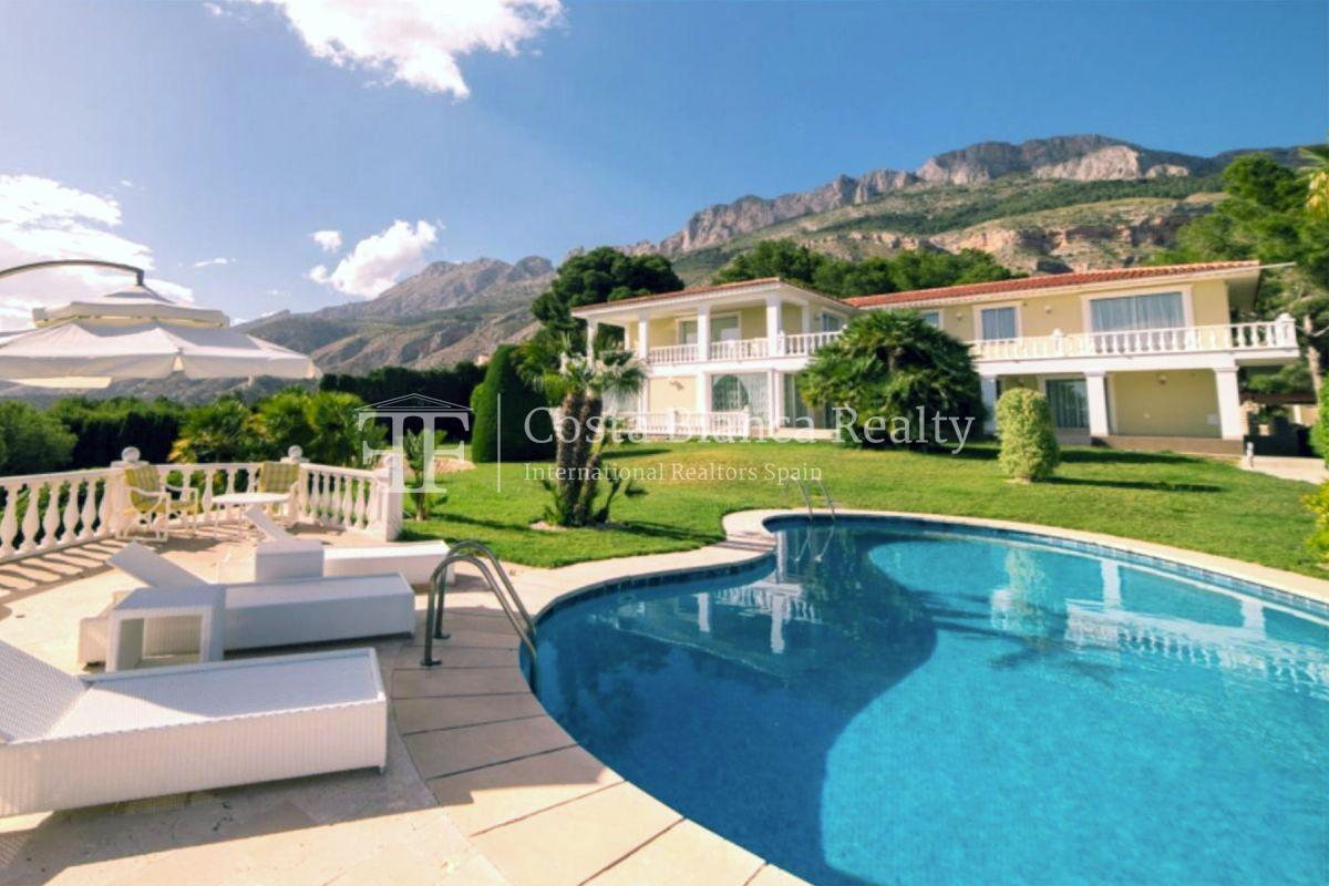 Impressive villa in the Sierra de Altea with 360º panoramic sea views - 1 - CHFi762