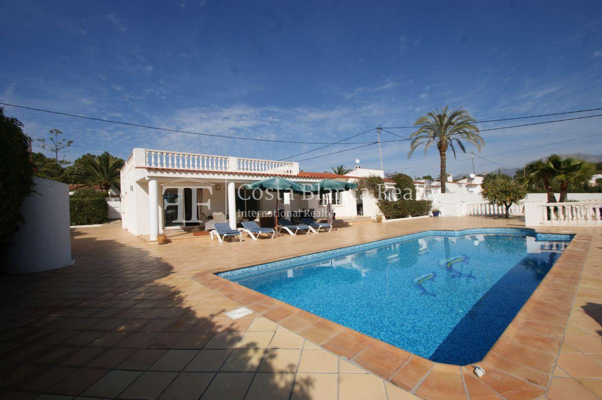 Nice one level House / Villa for sale in Alfaz del Pi at the Costa Blanca, Alicante, Spain with partly sea view and big terraces - 36 - CHFi707