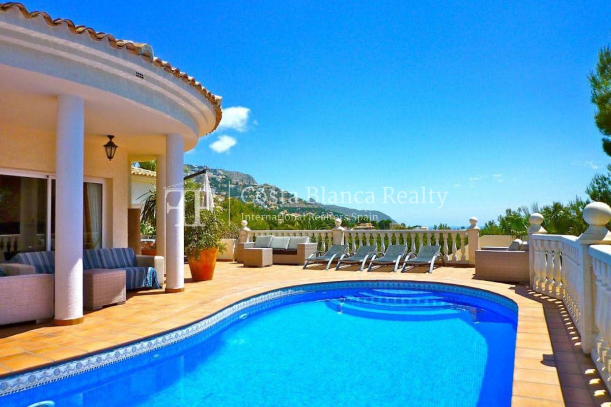 Established guest house in Altea with sea views for sale  - 1 - CHFi890