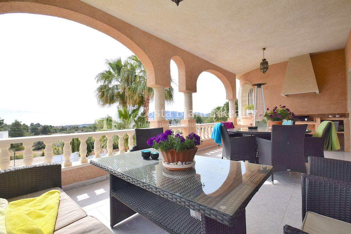Beautifully renovated villa with sea views in Altea, Montahud - 3 - CHFi743