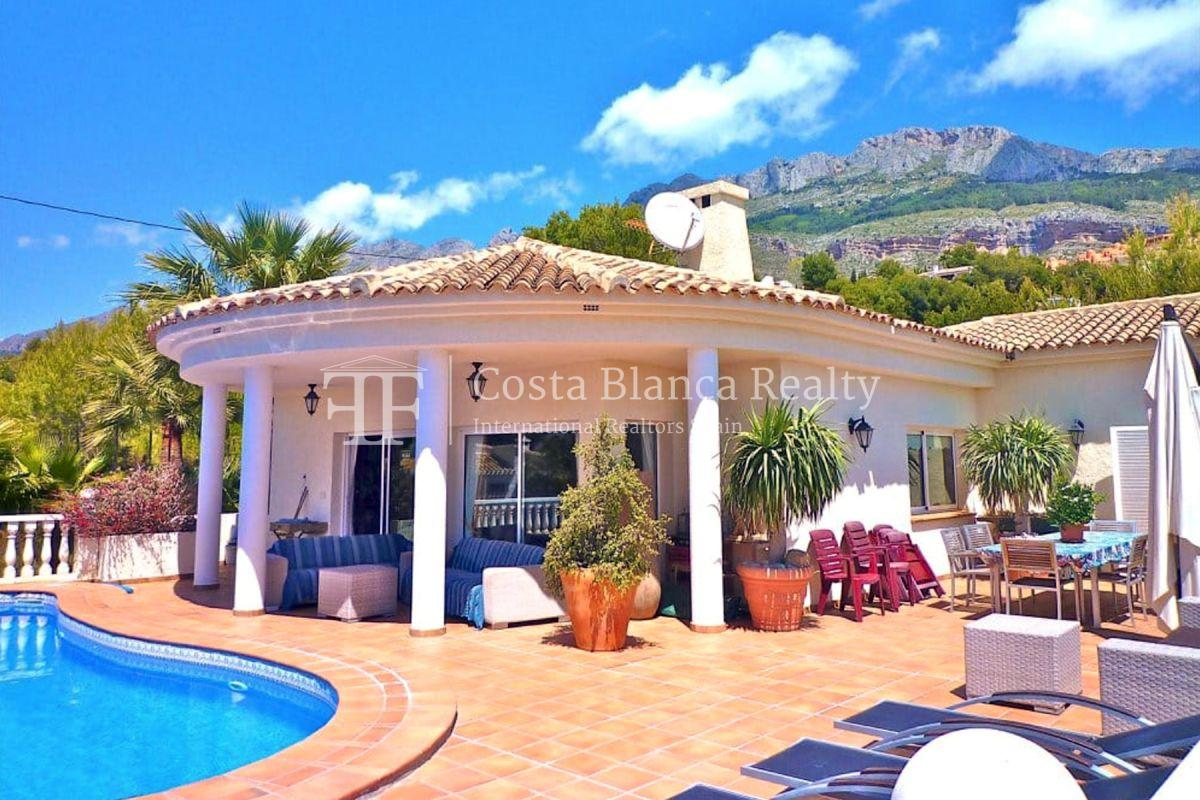 Established guest house in Altea with sea views for sale  - 2 - CHFi890