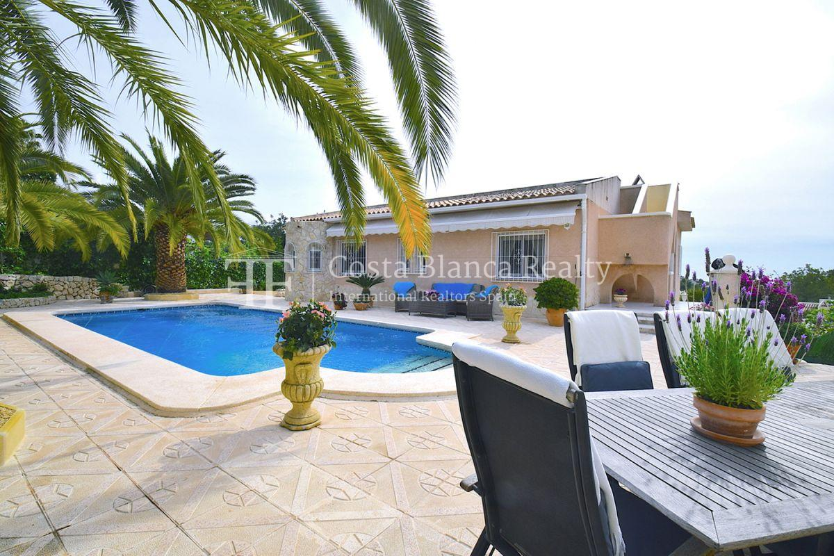 Beautifully renovated villa with sea views in Altea, Montahud - 1 - CHFi743