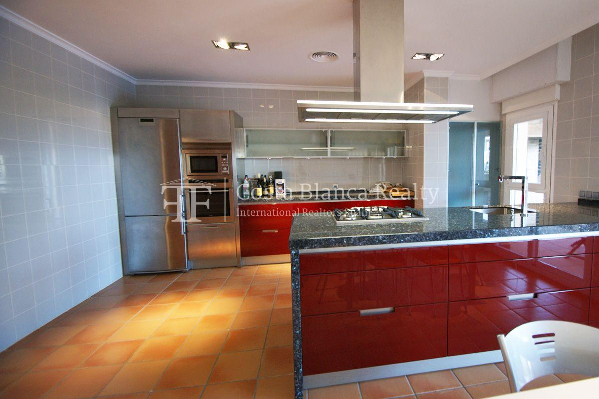 Very nice one level property with unobstructable sea view in Calpe - 10 - CHFi543