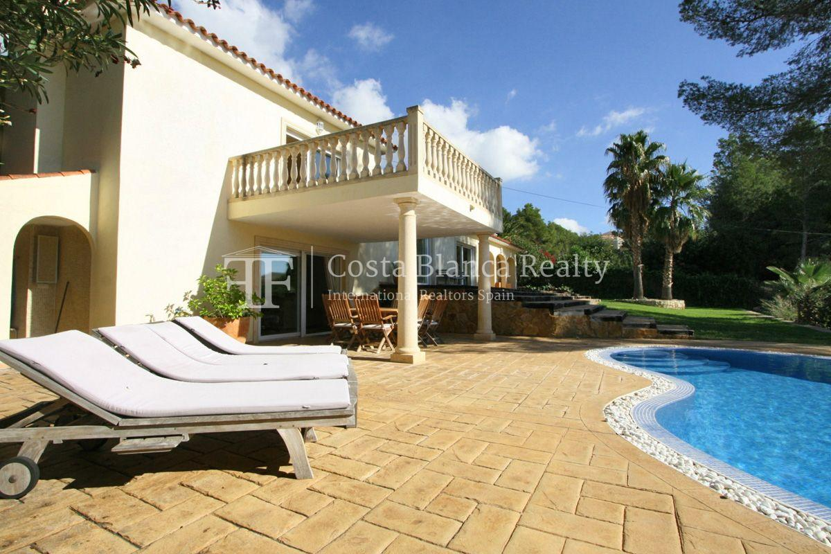 Wonderful Villa at the Sierra de Altea built on a large plot with sea view - 3 - CHFi556