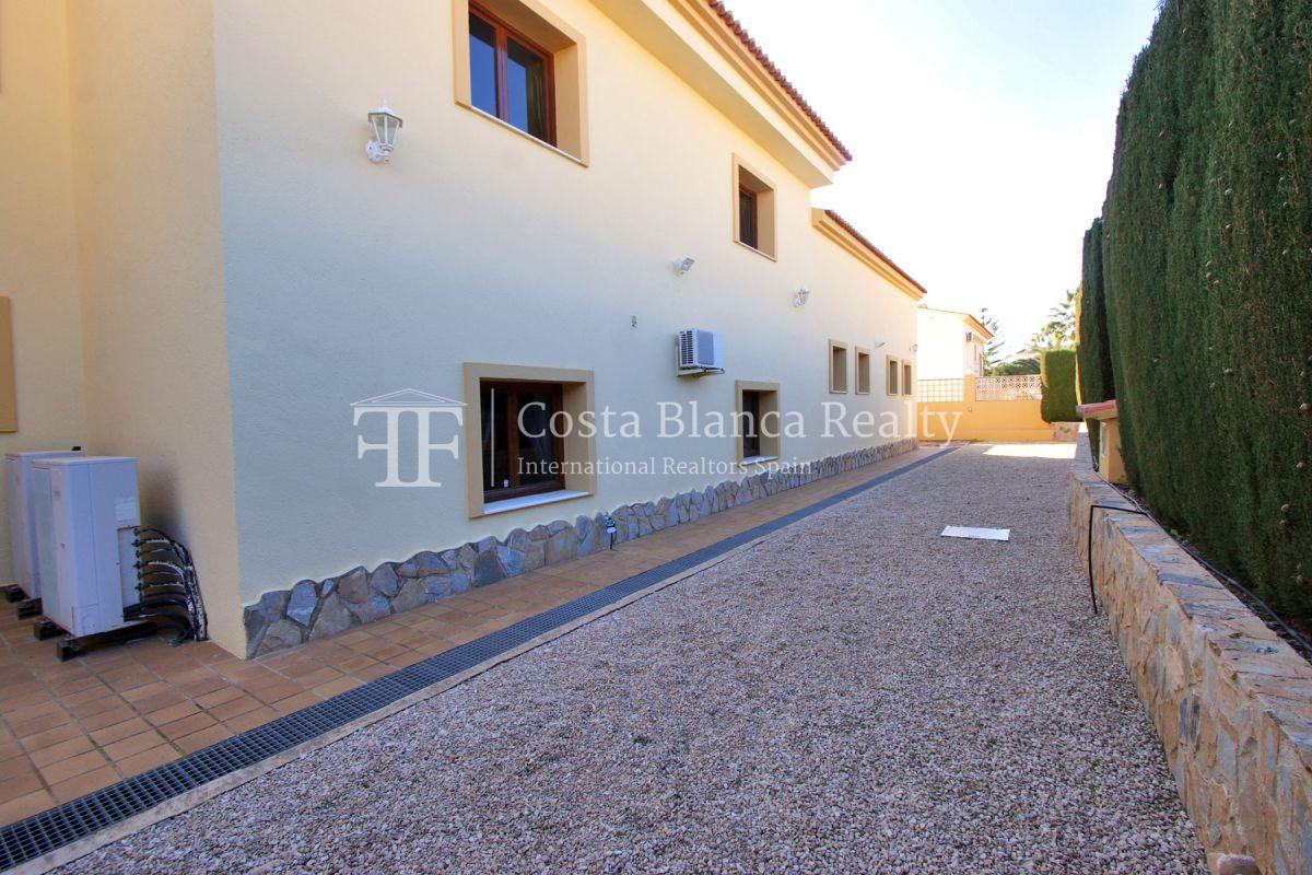 Very Large villa in calpe for sale with partly sea views - 53 - CHFi789