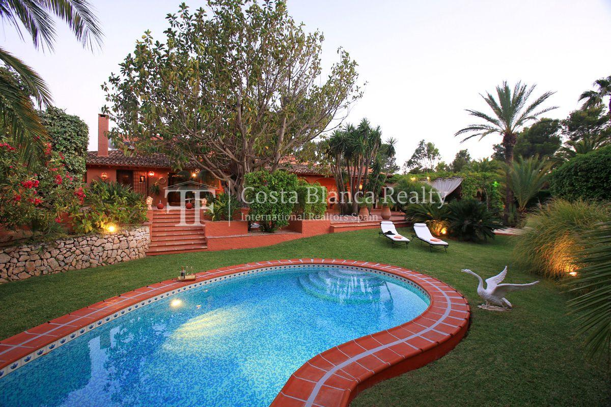Exceptional property surrounded by a beautiful landscaped garden, Sierra de Altea - 1 - CHFi533