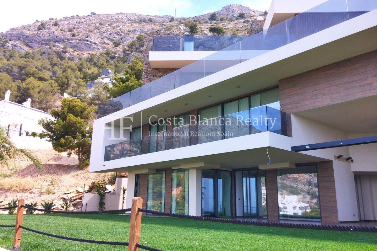 Modern luxury villa with sea views for sale - 25 - CHFi836