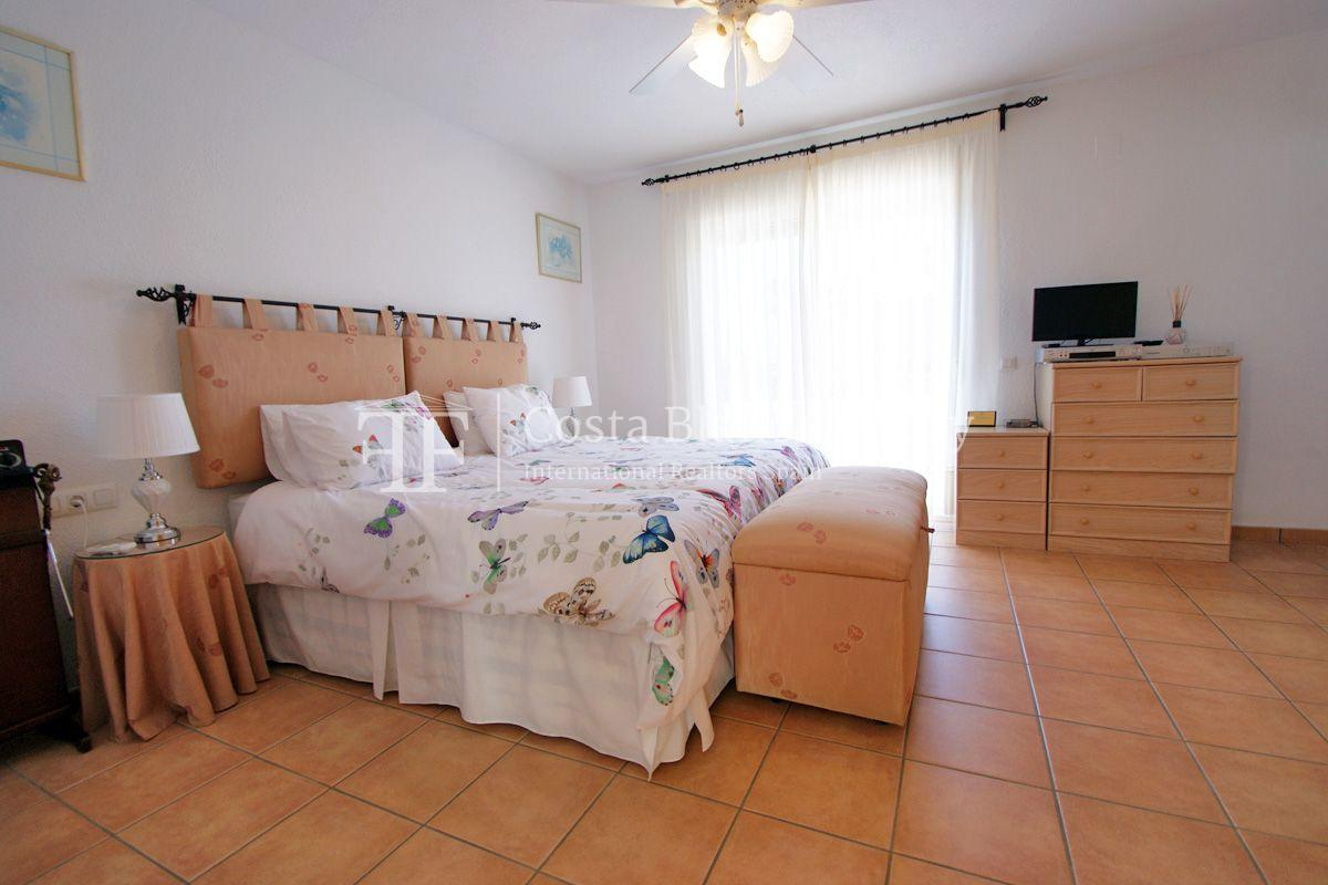 Large house in very good condition with partial sea view for sale in Bello Horizonte, La Nucia - 13 - FPAS104