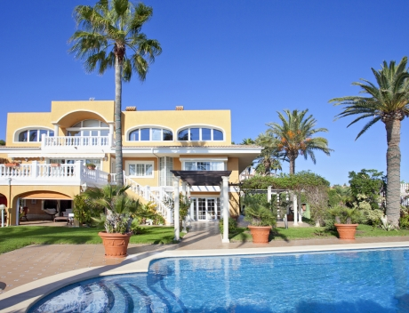 CHFi561: First line villa for sale Alicante, Area of