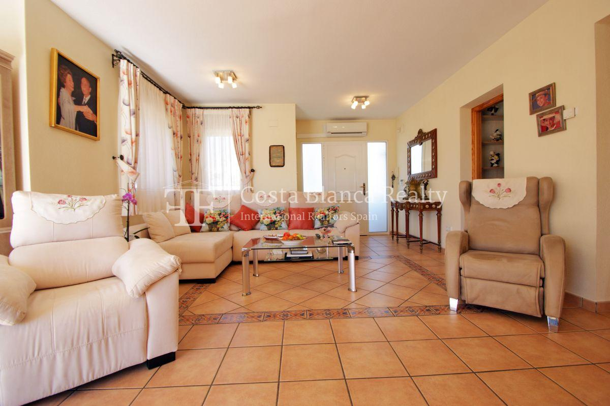 Large house in very good condition with partial sea view for sale in Bello Horizonte, La Nucia - 4 - FPAS104