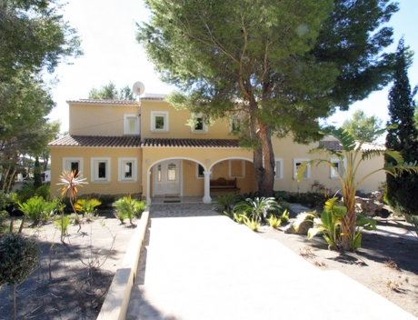 JOFi301: Large house for sale in Altea la Vella, El Paradiso on a large plot - Main
